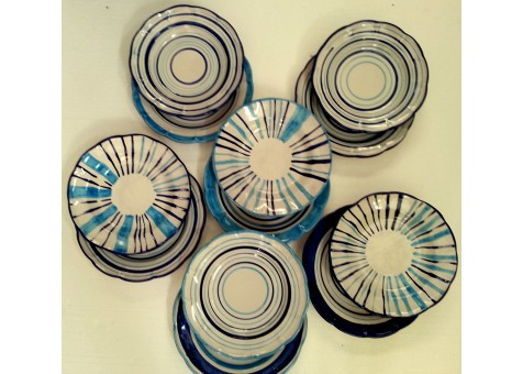 Set  of dishes( 12 pieces)